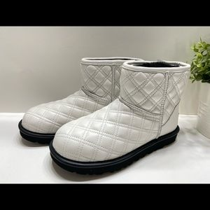 NEW UGG Mini II Quilted Leather Waterproof Boots